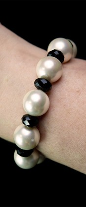 Day and Night White Shell Pearl and Onyx Bracelet