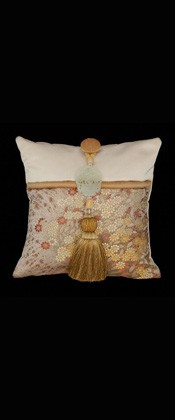 DELICATE FLOWERS PILLOW