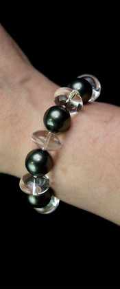 Day and Night Midnight Shell Pearl and Quartz Bracelet