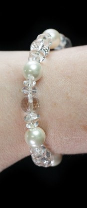 Faceted Quartz with White Shell Pearl Bracelet