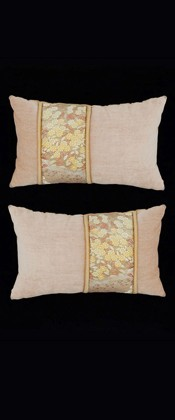 DELICATE FLOWERS PILLOW PAIR