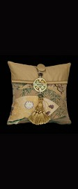 GOLDEN OPEN FANS PILLOW
