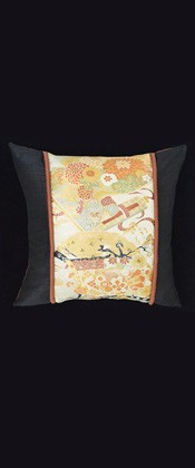TRADITIONAL ELEMENTS PILLOW