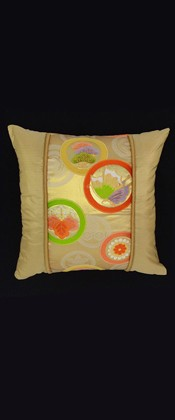 CASCADING CIRCLES WITH BUTTERFLY PILLOW